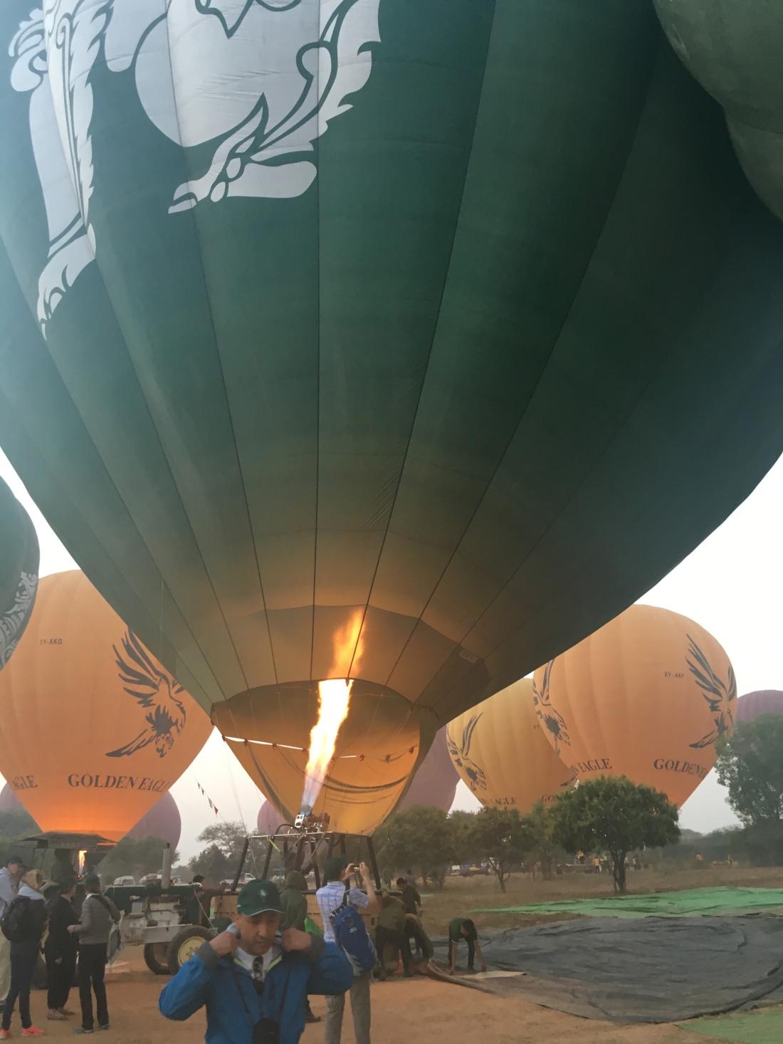 hot air balloon ride myanmar