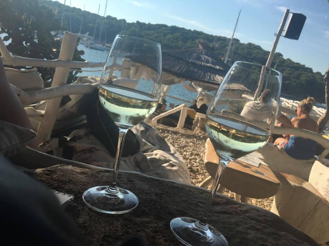 laganini beach bar