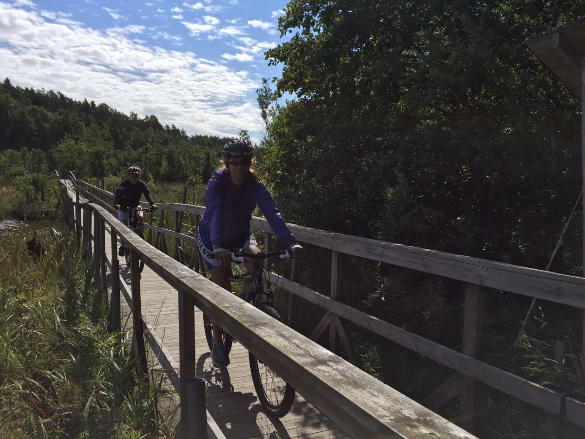 Mel Tries – Mountain Biking in Sweden